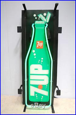RARE Vintage 7UP ANIMATED LED WITH NEON 7UP BOTTLE SIGN