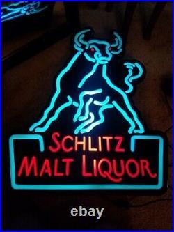 Vintage Schlitz Malt Liquor Beer Sign Lighted Bull Neon Look Great Condition